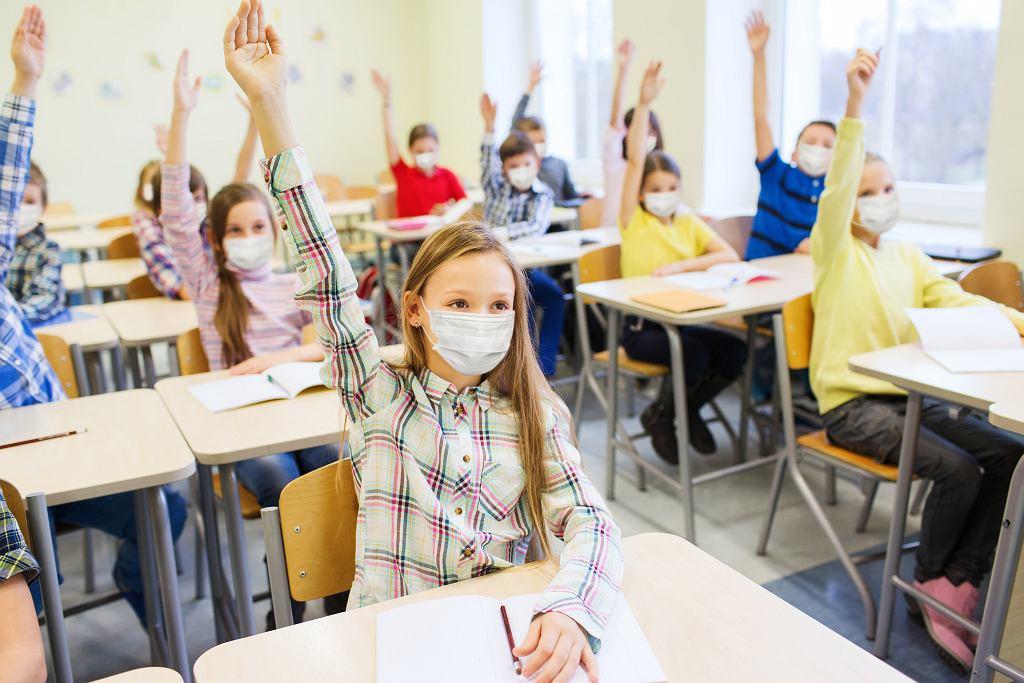 Wytyczne MEN zmieniają się, w zależności od sytuacji i w trosce o bezpieczeństwo uczniów