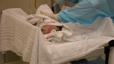 Rodzice nie zgodzili się na podanie noworodkowi witaminy K. Tylko stanowczość lekarzy uratowała jego życie