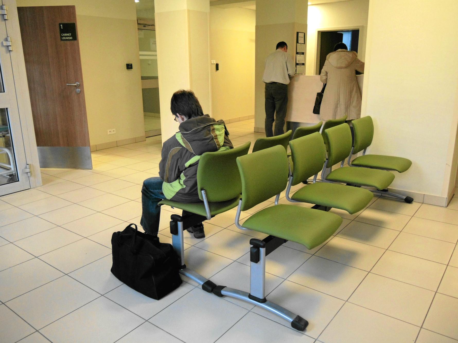 Nie ma dnia, żeby do psychiatry w Legionowie nie przyszedł ktoś 'pod drzwi' (fot: Łukasz Cynalewski/ Agencja Gazeta)