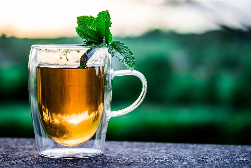 Zielona czy czarna? Którą herbatę wybrać?