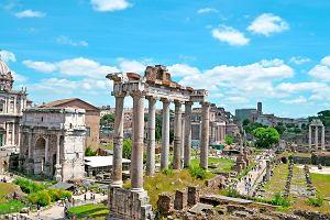 Rzym wprowadza nowe zakazy dla turystów. Zobacz, czego już nie można robić w Wiecznym Mieście