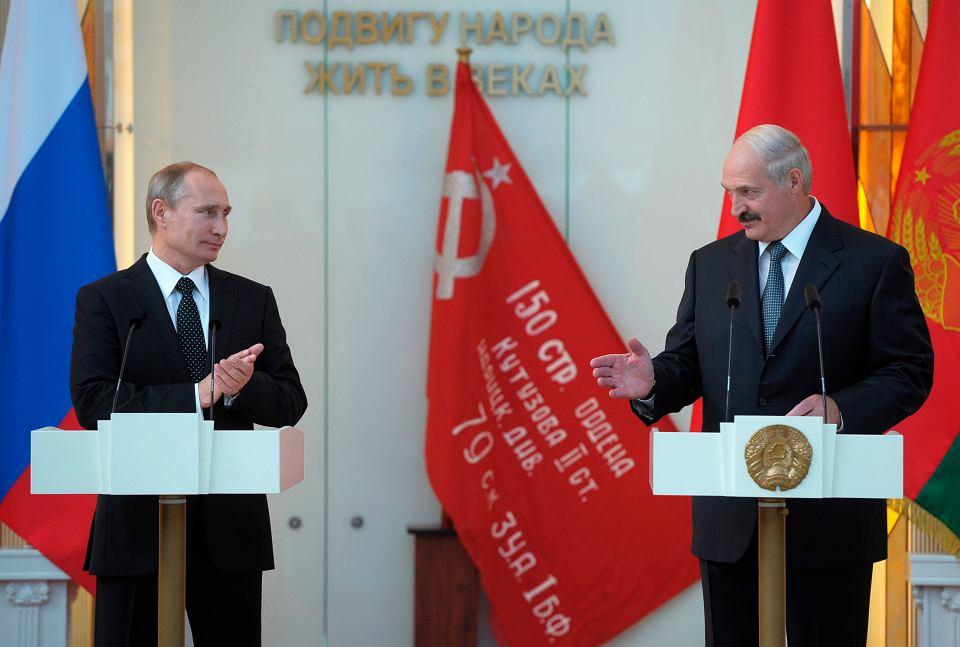 Władimir Putin i Aleksander Łukaszenka podczas wizyty prezydenta Rosji w Mińsku