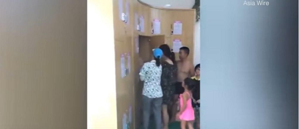 Rodzice schowali dziecko w szafce