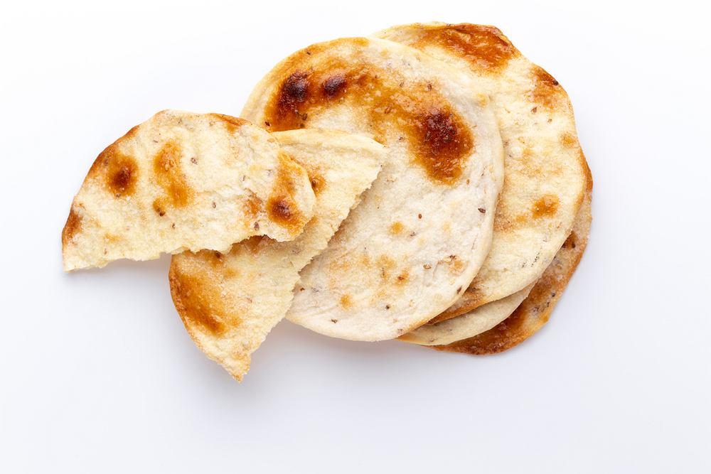 Podpłomyk to jedna z najstarszych potraw, które można znaleźć w książkach kucharskich. Przygotowywali je już nasi słowiańscy przodkowie!