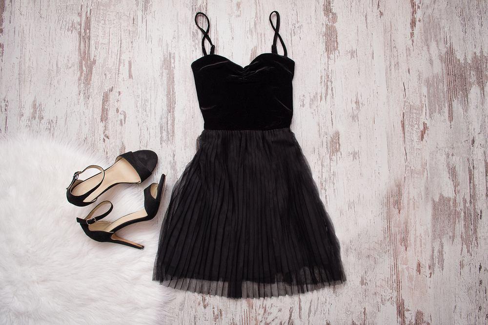 e2d388a27aa4f8 Sukienka na sylwestra to produkt produkt często poszukiwany na wiele  miesięcy przed imprezą.