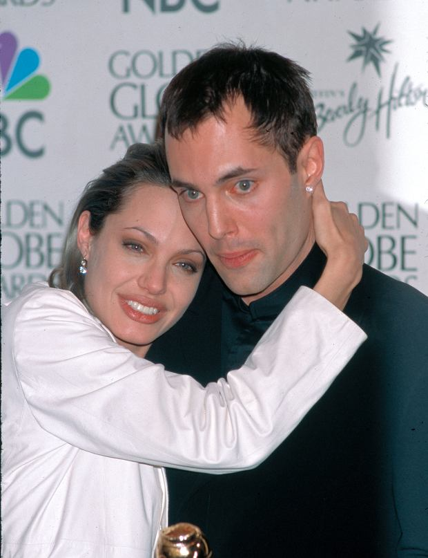 ? BAUER-GRIFFIN.COM Angelina Jolie's mother Marcheline Betrand died of cancer at Cedar-Sinai Hospital in Los Angeles on January 28, 2007. A retrospective of her marriage to actor Jon Voight from 1971-1978 and their two children James Haven and Angelina Jolie. Job: 70129Y2 January 29, 2007 EXCLUSIVE Los Angeles, California www.bauergriffin.com