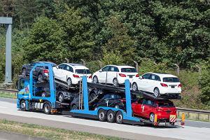 Boom na nowe auta trwa. Najlepszy w tym stuleciu sierpień dla sprzedawców samochodów w Polsce