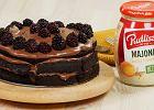 Tort czekoladowy z jeżynami i... majonezem!