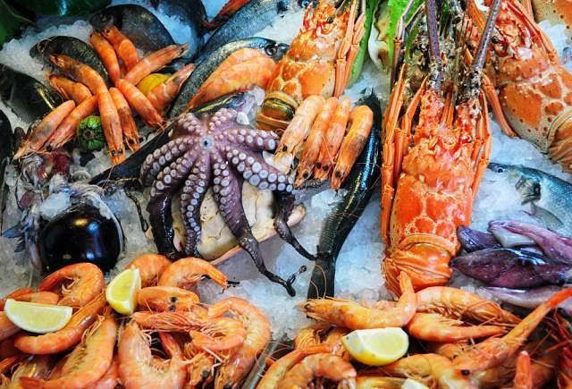 W nieprawidłowo przygotowanych owocach morza mogą żerować groźne dla zdrowia pasożyty