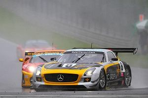 Zacięta walka Mercedesa SLS GT3