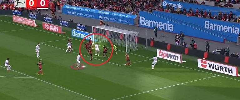 """Tak Lewandowski strzelił ósmą i dziewiątą bramkę Bundeslidze. """"Pokazał co potrafi"""" [WIDEO]"""