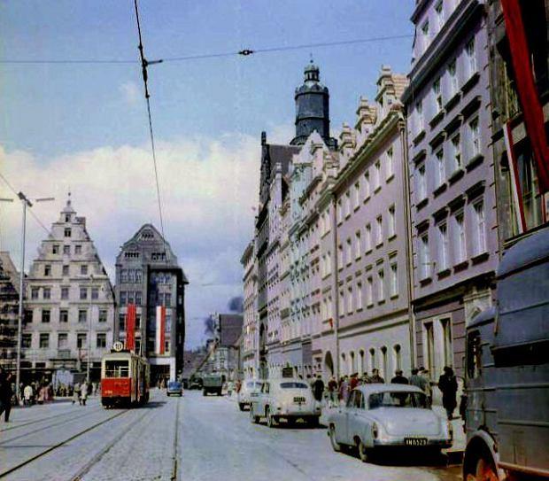 Zdjęcie numer 0 w galerii - Rynek i okolice na zdjęciach Włodzimierza Kałdowskiego
