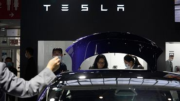 Tesla na targach w Pekinie, Chiny, wrzesień 2020.