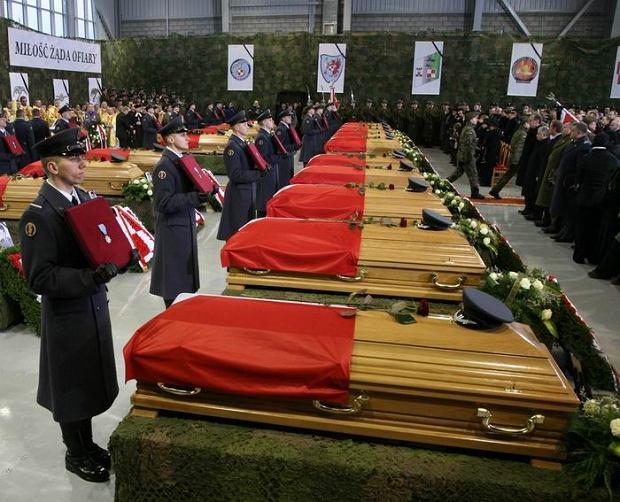 Uroczystości pogrzebowe ofiar katastrofy w Mirosławcu