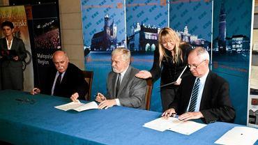 Podpisanie dokumentów zgłaszajacych Kraków oraz Tatry polskie i słowackie jako gospodarza Zimowych Igrzysk Olimpijskich 2022, Kraków, 20 października 2012