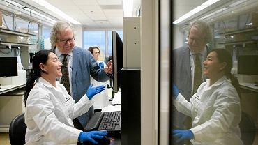 Uzbrojony w 2880 rdzeni i 15 TB pamięci operacyjnej IBM Watson to najbardziej znany i uniwersalny superkomputer: może wyręczać m.in. lekarzy, prawników i pracowników biurowych.
