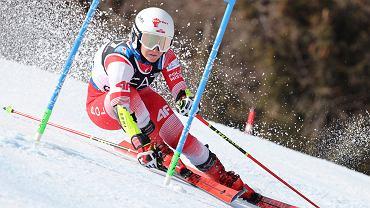 Maryna Gąsienica Daniel na trasie giganta równoległego. Cortina d'Ampezzo 16.02.2021 r.