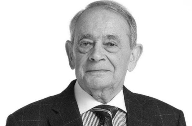 Roman Frister nie żyje. Dziennikarz i pisarz miał 87 lat