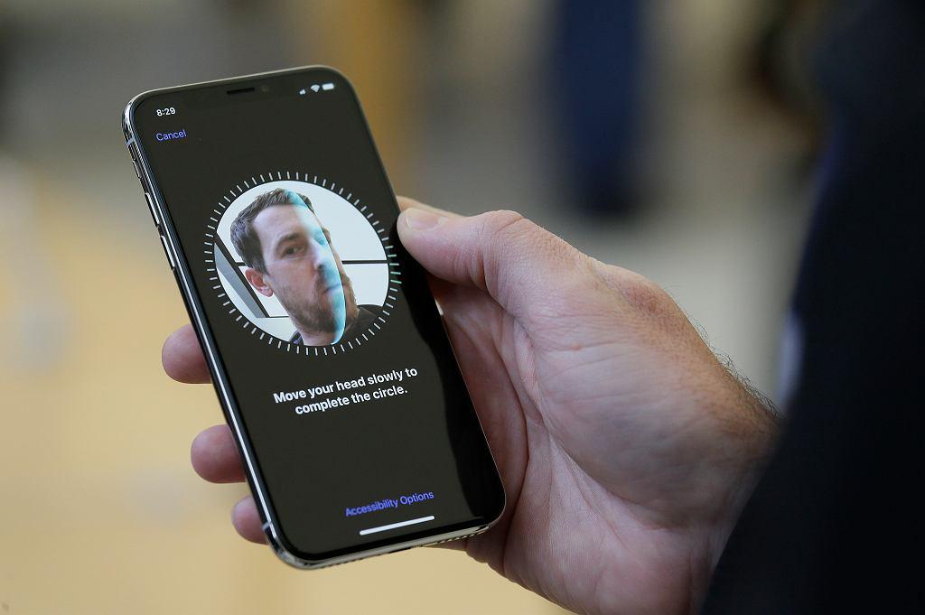FaceID - rozpoznawanie twarzy - w iPhonie X
