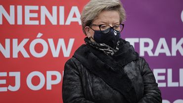 Przewodnicząca Ogólnopolskiego Związku Zawodowego Pielęgniarek i Położnych  Krystyna Ptok o brakach personelu w walce z COVID-19: Do mebli potrzebni są ludzie