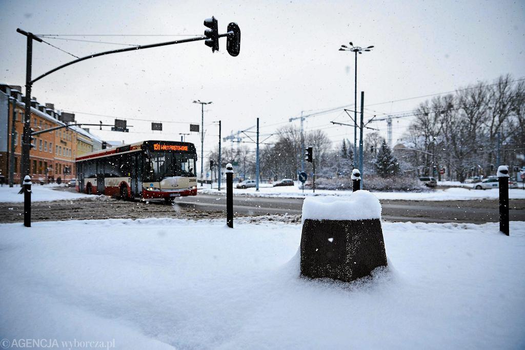Gdańsk. Kierowca nie zgasił silnika, dostał mandat