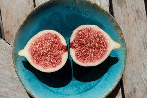 Tajemniczy składnik fig. Znajdują się w nich owady