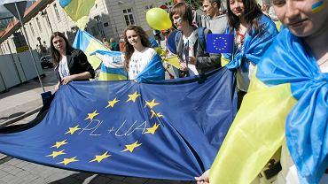 Ukraińcy podczas parady Schumana w Warszawie,