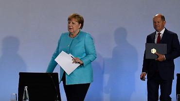 NIemcy. Kanclerz Angela Merkel oraz wicekanclerz i minister finansów Olaf Scholz
