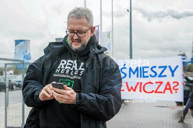 """Hakerzy przejęli profil Rafała Ziemkiewicza na Facebooku. """"Dałem się oszukać"""""""
