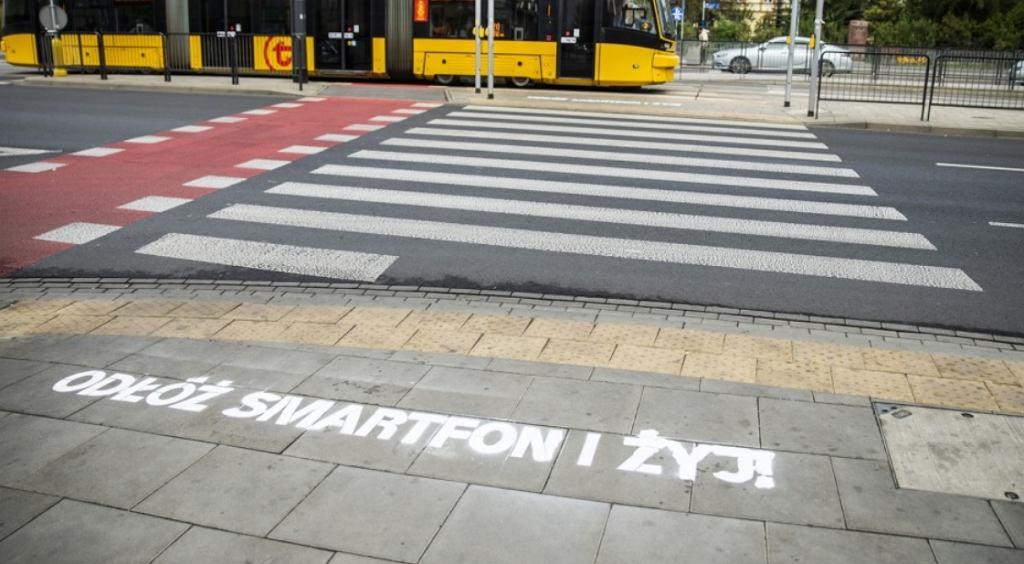 Akcja 'odłóż smartfon i żyj'