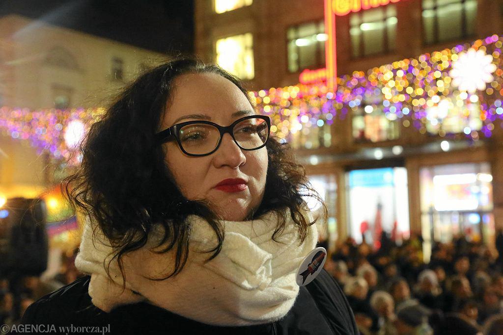 Strajk kobiet we Wrocławiu po odrzuceniu projektu 'Ratujmy kobiety'