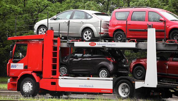 Rekordowy napływ używanych aut do Polski