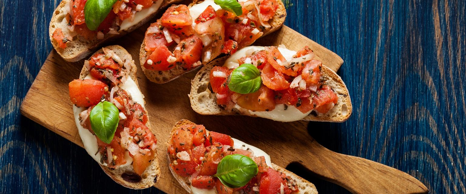 Bruschetta z pomidorami i agrestem