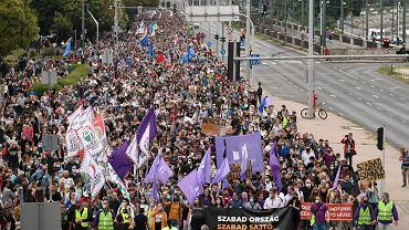 24.07.2020 r., Budapeszt. Demonstracja zorganizowana w obronie portalu Index.hu