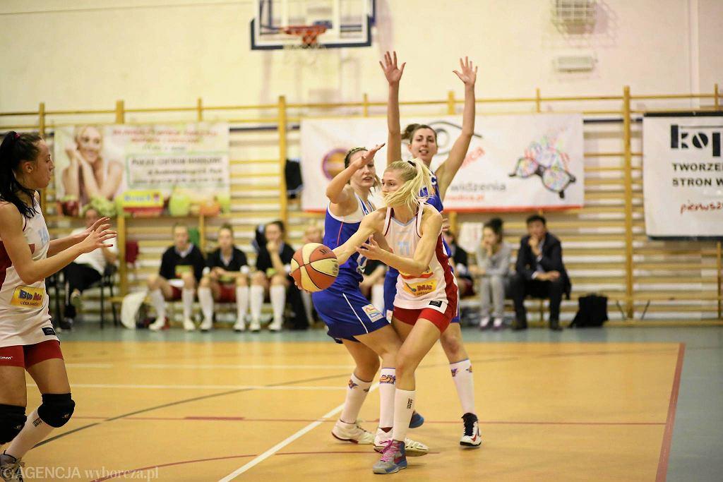 Koszykówka, I liga. Mon-Pol Płock - KKS Olsztyn 57:62