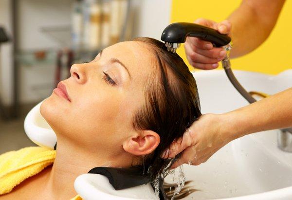 Pielęgnacja włosów u fryzjera