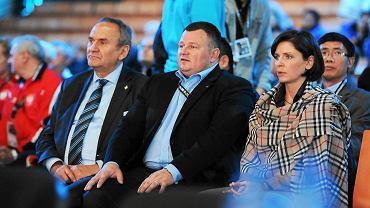 Mariusz Jędra - prezes PZPC (w środku) i Joanna Mucha