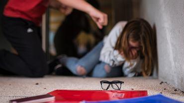 Przemoc szkolna dotyka uczniów w różnym wieku.