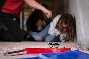 """Co dziesiąte dziecko jest ofiarą przemocy w szkole. """"Zemstą na dręczycielach będzie sytuacja, gdy poukładam sobie życie"""""""
