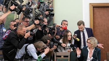 26.09.2019, Warszawa, kandydatka na wiceprezesa Najwyższej Izby Kontroli Małgorzata Motylow (P) w czasie obrad sejmowej Komisji do Spraw Kontroli Państwowej.