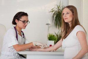 Jesteś w ciąży? Ochroń siebie i dziecko przed HCV i zrób bezpłatne badania!