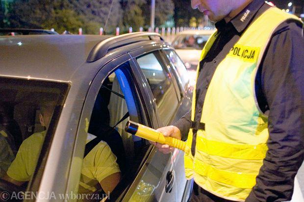 Policja łapie, sąd wypuszcza, czyli jak sądy skazują pijanych kierowców