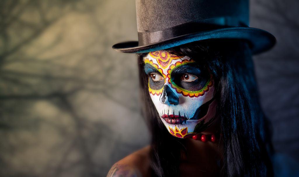 Czym wykonać makijaż na Halloween? Gdzie szukać inspiracji?