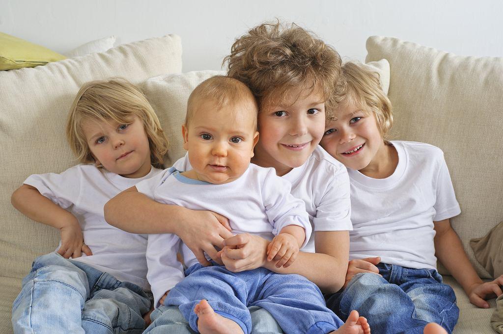 Kartę Dużej Rodziny mogą wyrobić ci, którzy mają troje i więcej dzieci