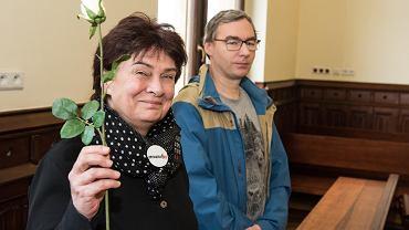Ewa Trojanowska i Miłosz Kłosowicz blokowali marsz narodowców i zostali przez sąd uniewinnieni.