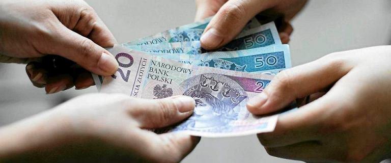 Emerytura bez podatku po Nowym Ładzie - kto i ile zyska? [WYLICZENIA]