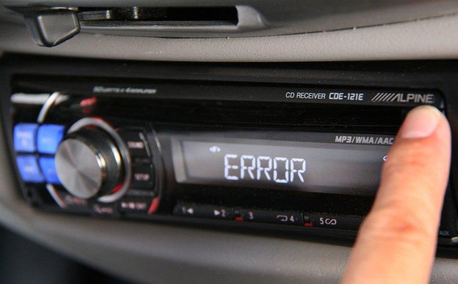 Coraz rzadziej słuchamy w samochodzie muzyki z płyt CD