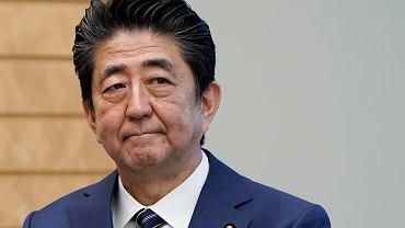 Premier Japonii zaleca zamknięcie wszystkich szkół publicznych. Do kwietnia