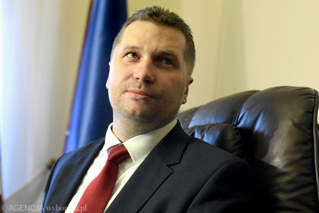 Przemysław Czarnek zmienia punktację naukowych czasopism. Zyska szkoła Rydzyka i pisma, w których sam publikował