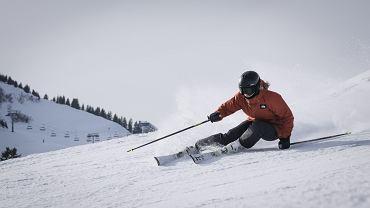 Jak rozgrzewać się przed jazdą na nartach?